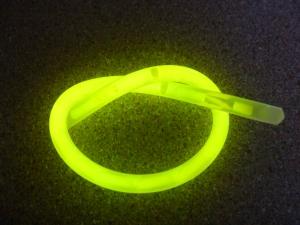 Twisted glow bracelet