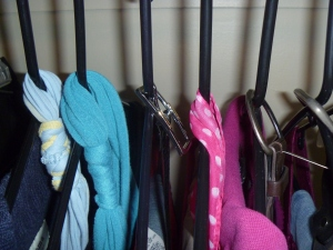 Hang coordinated belts, scarves and necklaces with outfit