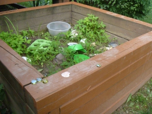 Mud kitchen 003